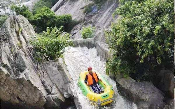 湖北麻城狮子峰漂流